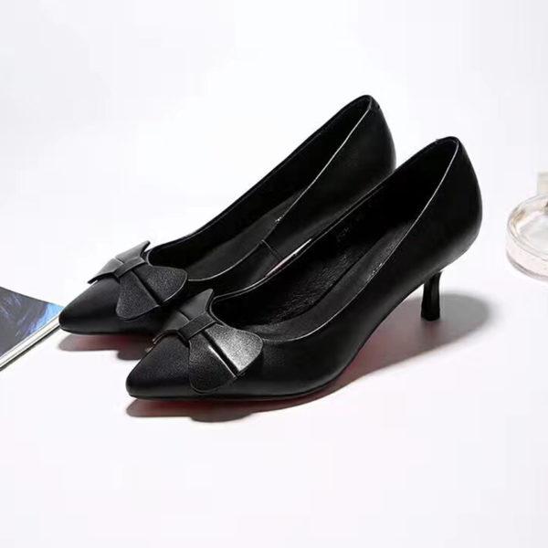 bow-embellished-low-pump-heel-front