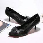 bow-embellished-low-pump-heel-side