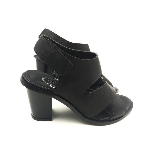 black-sandal-block-heel